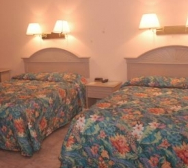 All Ivey House Inn rooms are very spacious and have 2 queen sized beds, a private bathroom, AC, TV, refrigerotor and a phone.
