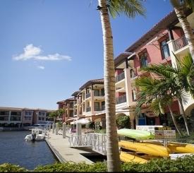 Shoppes at Naples Bay Resort