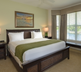 GreenLinks master bedroom.