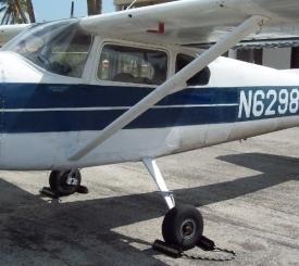 Cessna 182  Three passengers