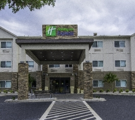 "Holiday Inn Express ""Naples South"""